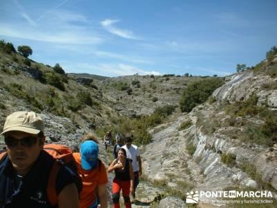 Barranco de Borbocid - trekking and hiking; senderismo rascafria; viajes en mayo;